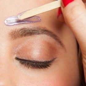 Eyebrows line creation waxing