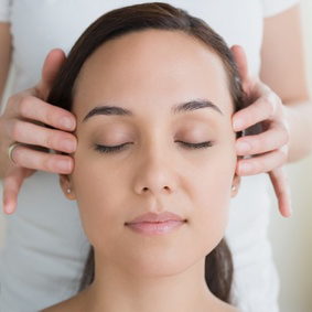 Head & scalp massage (30min)